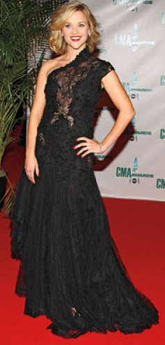 Reese Witherspoon in Marchesa